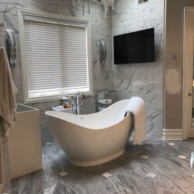 Modern Gray Bathroom